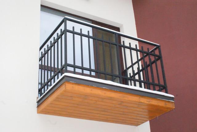 Металлический балкон купить в риге.